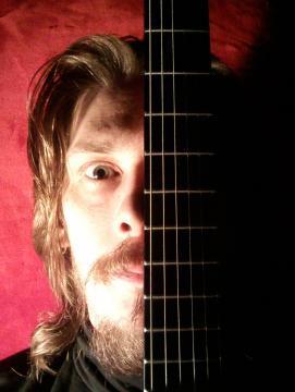 Photographie du musicien Julien Roux