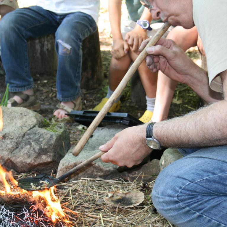 Démonstration d'allumage d'un feu