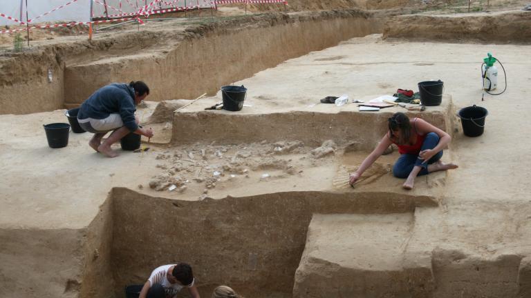 Vue du site archéologique d'Ormesson en cours de Fouille