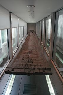 Barque monoxyle découverte à Noyen-sur-Seine (77)